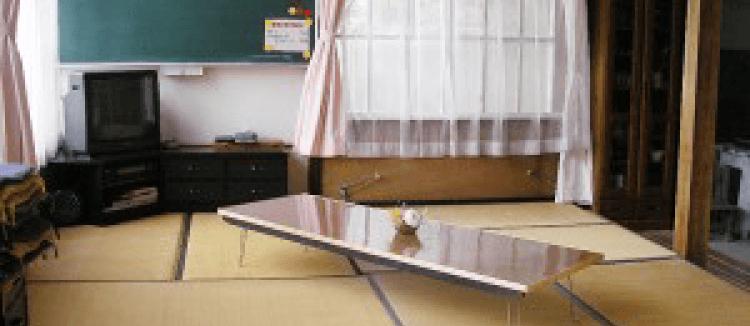 吉野川ラフティング 宿泊オプション 緑の時計台 内観写真
